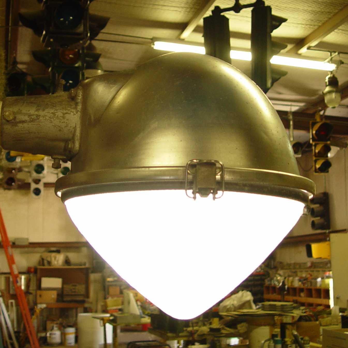 General Electric Form 175 Street Light